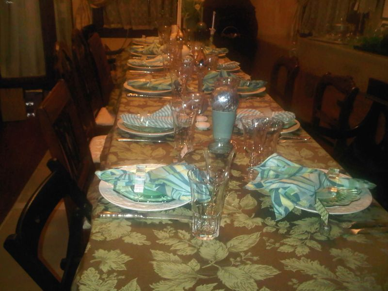 Tablesetting Passover 2011